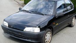 Wer einen Gebrauchtwagen kauft, entscheidet meist nach einer Probefahrt. Doch wer haftet, wenn dabei ein Unfall passiert? Das Infocenter der R+V Versicherung rät, vorab eine schriftliche Vereinbarung abzuschließen - zur Sicherheit von Käufer und Verkäufer.