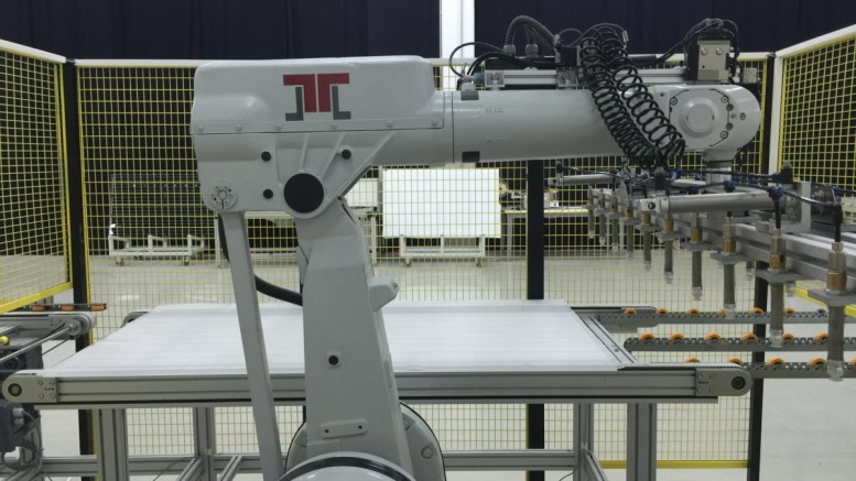 Picture press release - J.v.G. Thoma introduces the Automatic Robot-LayUp 2020