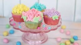 cupcakes-2209476_1280