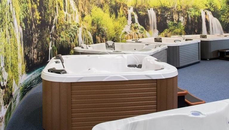 Whirlpools Outdoor & Indoor Wellness zu Hause - NEWS8.de ...