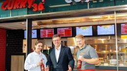 Fotos von Curry 36 im Berliner Hauptbahnhof für Zepter & Krone