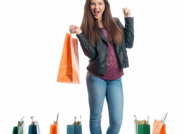 Teenager im Kaufrausch