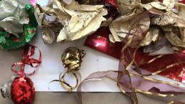 Zerrissenes Geschenkpapier