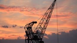 harbour-crane-1643476_640