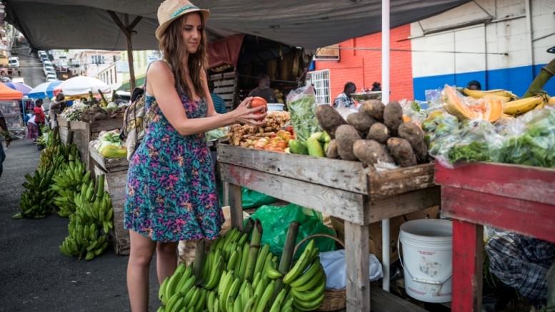PR_Saturday Morning shopping at the Market Square